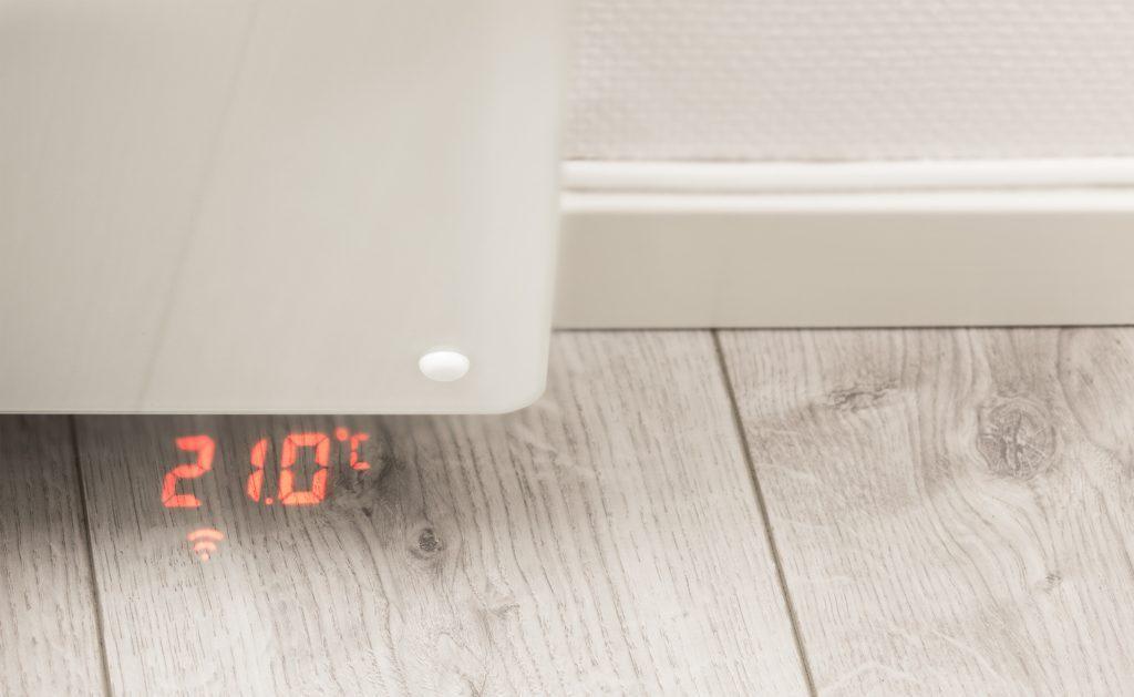 Panel- og smartovn med temperaturvisning fra BEHA.